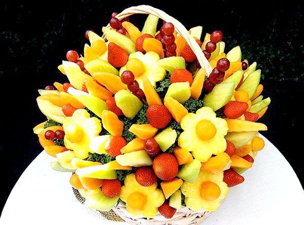Фото - Як красиво нарізати фрукти - яскраве оформлення столу