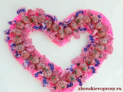 Фото - Як зробити серце з цукерок?