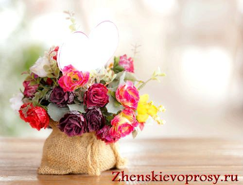 Фото - Як прикрасити будинок штучними квітами?
