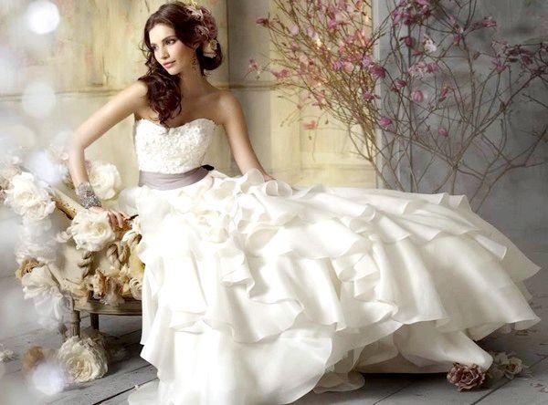 Фото - Як вибрати весільну сукню, або як допомогти поряд вибрати вас