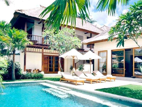 Розкішні вілли на Балі можуть стати весільними апартаментами молодят. Фото з сайту trinity-travel.ru