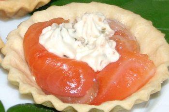 Тарталетки можна начинити будь-яким салатом