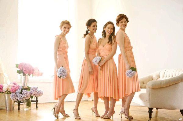 Стильні подружки нареченої. Фото з сайту pogovorim.ru