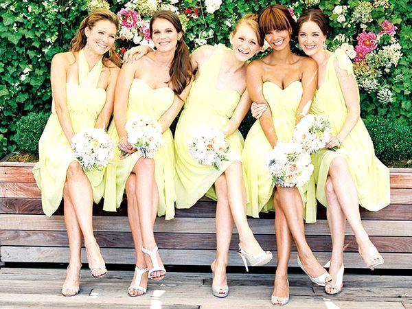 Плаття ніжно-лимонного кольору в різних фасонах. Фото з сайту kalugasvadba.ru
