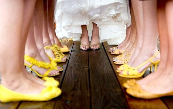 І взуття підібрана в одній кольоровій гамі. Фото з сайту vk.com