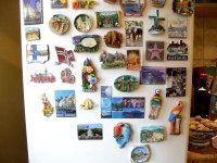 Фото - Чому не можна вішати магніти на холодильник?