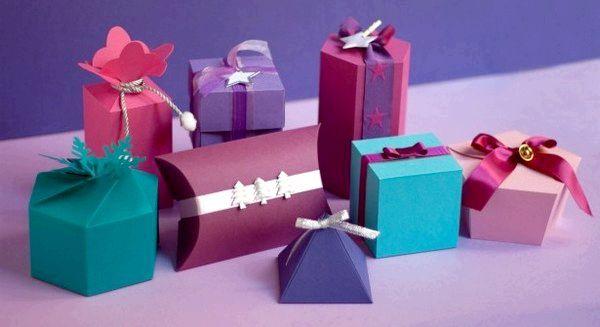 Пакуємо подарунки в красиві коробочки ручної роботи. Фото з сайту krasivajaledi.ru