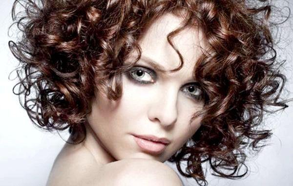 Вибираємо зачіску на коротке волосся. Фото з сайту stilnaya.org
