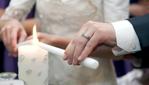 Фото - Родинне вогнище на весіллі - символ щасливої   родини