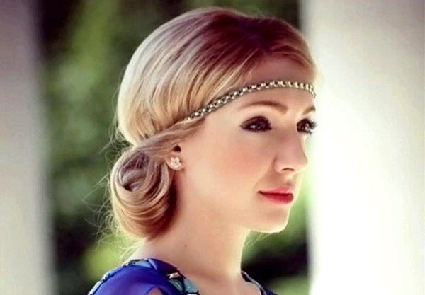Ніжна зачіска в грецькому стилі. Фото з сайту xisyb.onlinassist.com