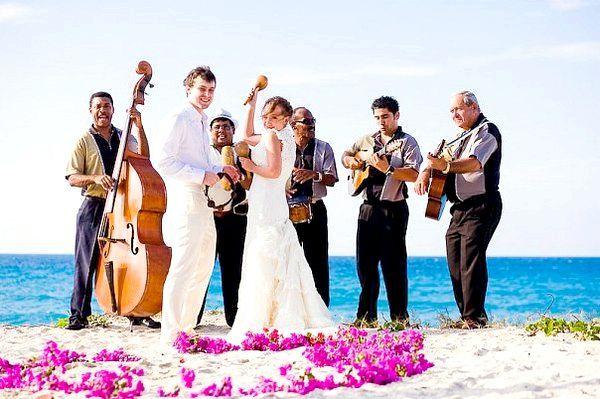 Романтичне весілля на Кубі. Фото з сайту cocoloco.spb.ru