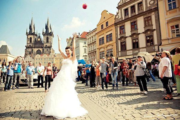 Весілля в Чехії: прогулянка по Празі. Фото з сайту serdolik-wedding.ru