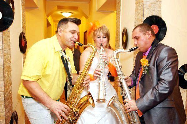 Джаз - невід'ємна частина стиляжному весілля. фото з сайту xn - 52-dlc3d.xn