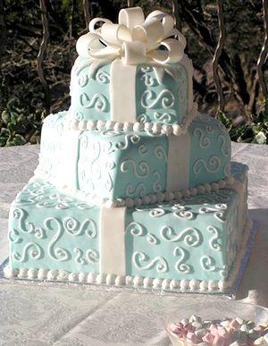 Шикарний торт. Фото з сайту http://lulusvadba.ru/