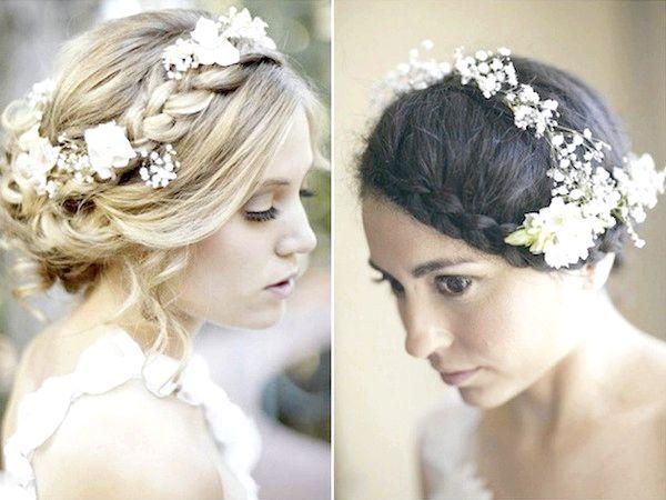 Фото - Весільна зачіска з квітами: втілення ніжності
