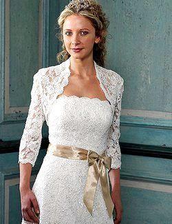 Фото - Весільне болеро: правила вибору і різноманітність моделей