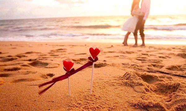Відпочинок в жарких країнах ще більше підігріє почуття закоханих. Фото з сайту svoiludi.ru