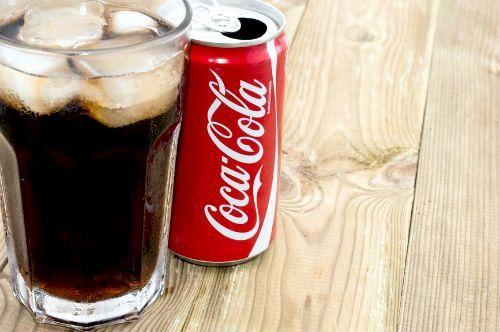 Фото - Чи шкідливо пити кока-колу?