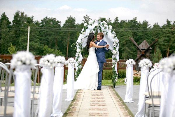 Фото - Виїзна реєстрація шлюбу - як організувати торжество для себе і гостей